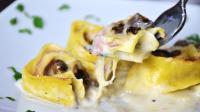 Girelle di lasagne con prosciutto, provola e funghi